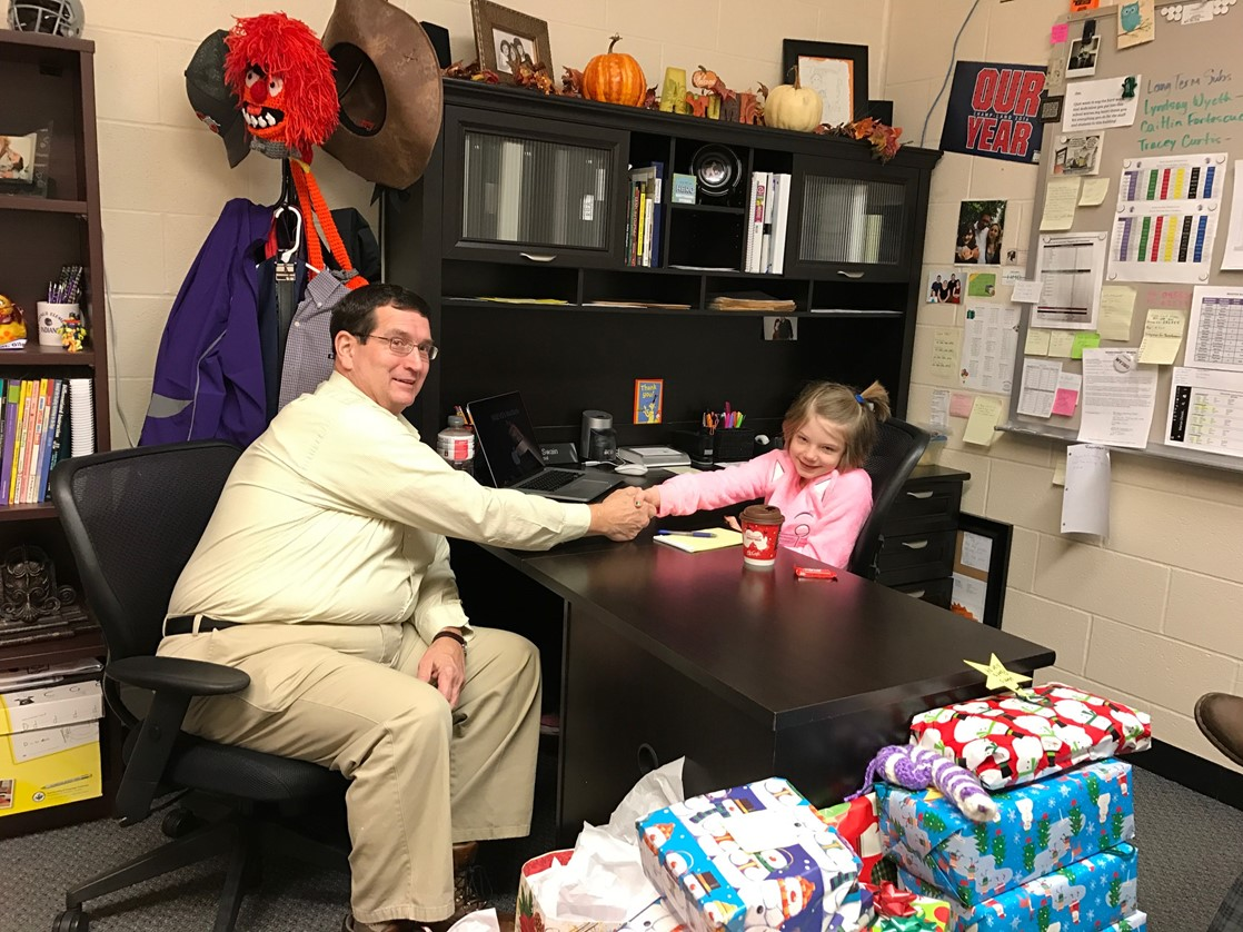 Mount Gilead Mayor, Mike Porter with Principal for a Day, Shelby Hursey